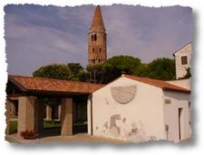 centro storico di Caorle, area DOC Lison Pramaggiore